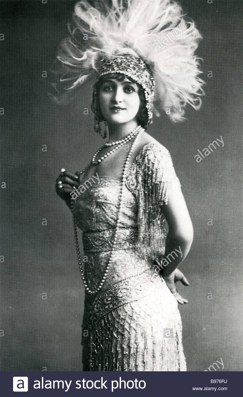 gaby-deslys-french-actress-showgirl-and-dancer-1881-to-1920-famous-B976RJ
