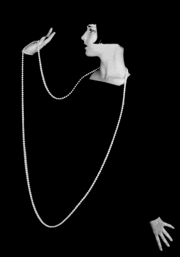 Louise-Brooks-eugene-robert-richee-pearls-1920-3