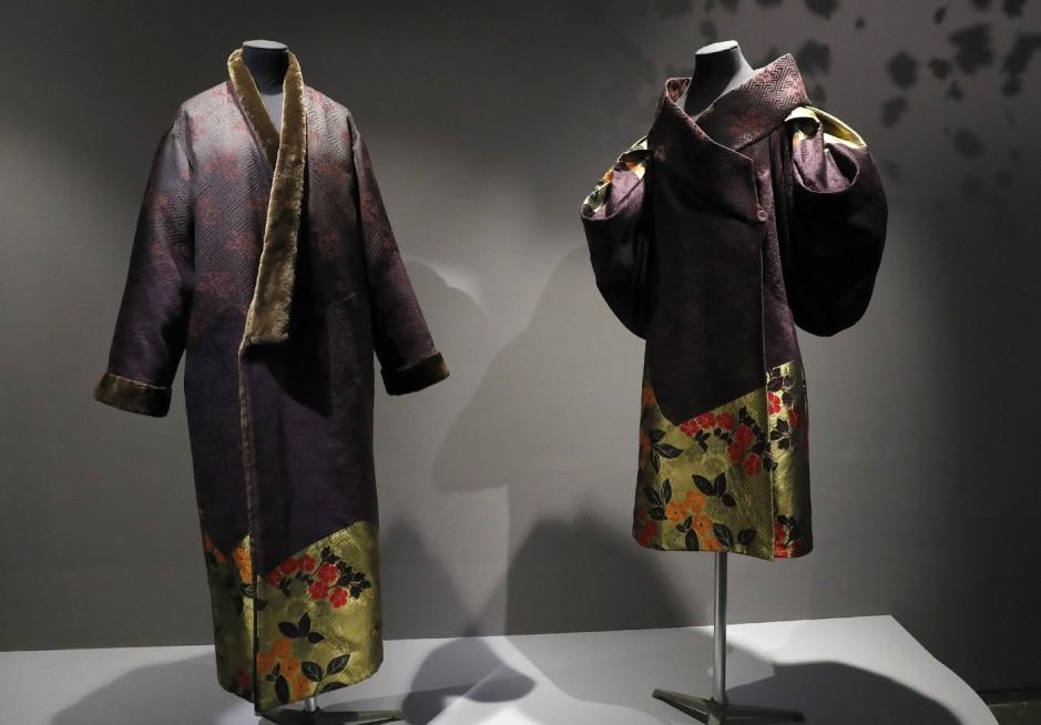 Deux-creations-couturier-Kenzo-presentees-exposition-Kimono-bonheur-dames-Musee-Guimet-21-fevrier-2017-Paris_2_1400_974.jpg