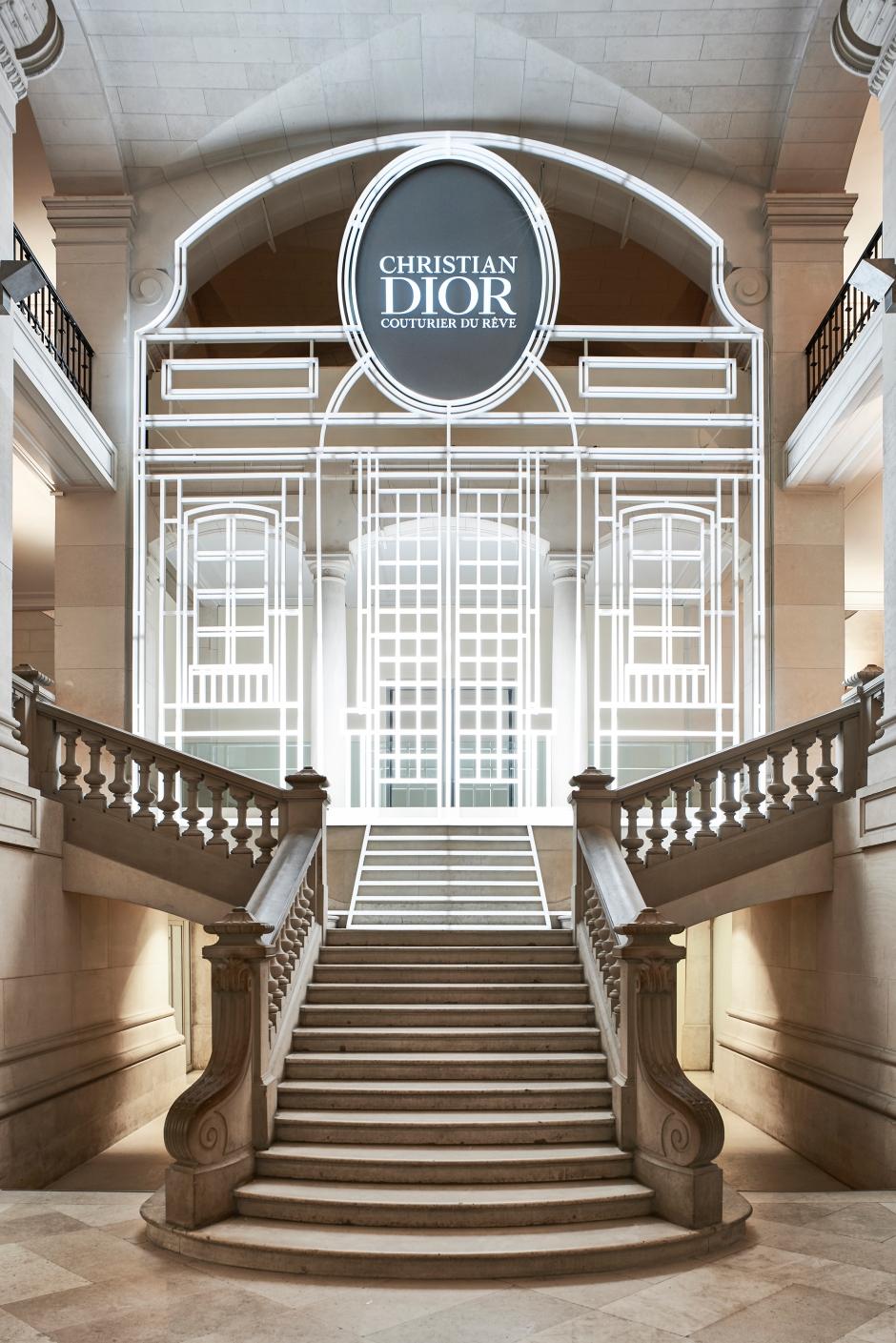 Dior_La_Maison_Dior_Christian_Dior_Couturier_du_Reve_Exhibition_01