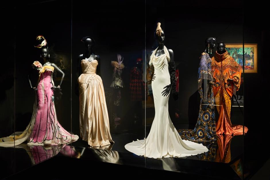 Dior_La_Maison_Dior_Christian_Dior_Couturier_du_Reve_Exhibition_03