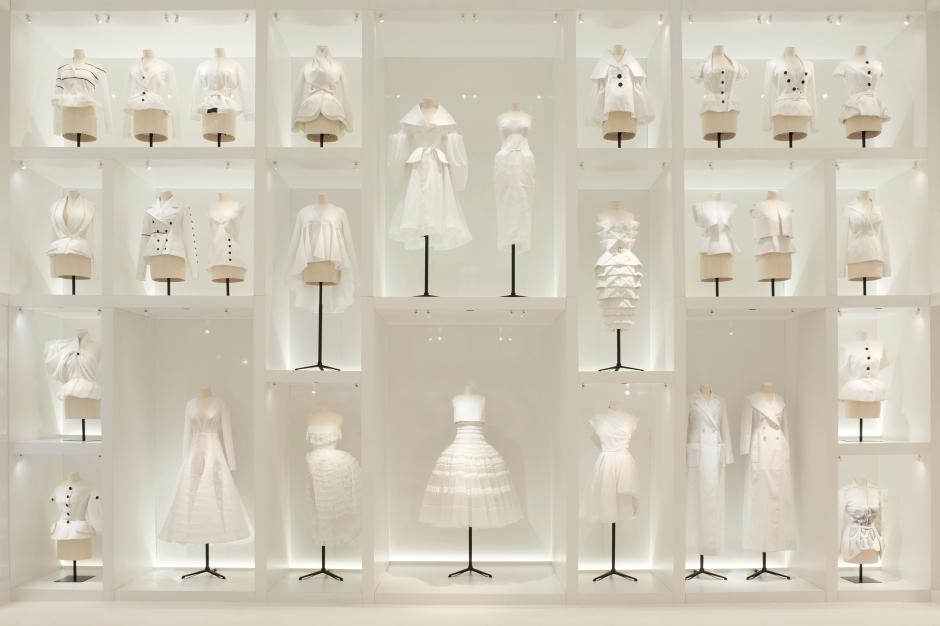 Dior_La_Maison_Dior_Christian_Dior_Couturier_du_Reve_Exhibition_06