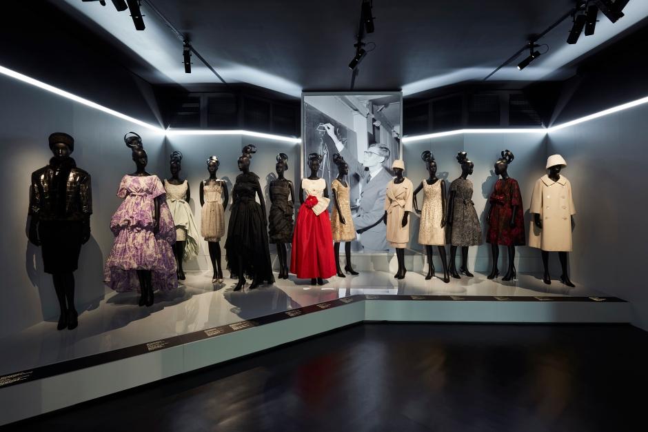 Dior_La_Maison_Dior_Christian_Dior_Couturier_du_Reve_Exhibition_07