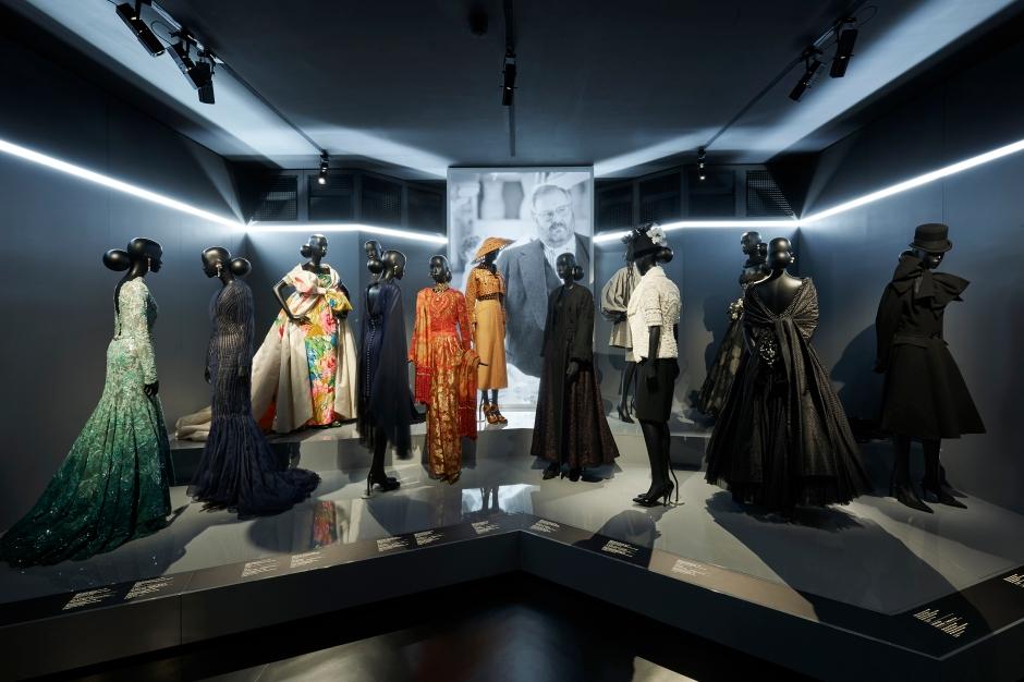 Dior_La_Maison_Dior_Christian_Dior_Couturier_du_Reve_Exhibition_09