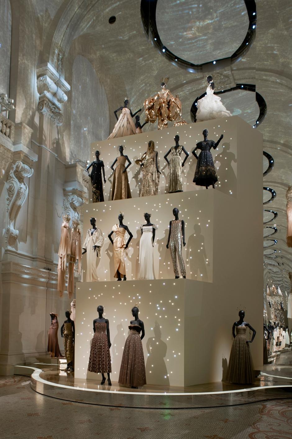 Dior_La_Maison_Dior_Christian_Dior_Couturier_du_Reve_Exhibition_12