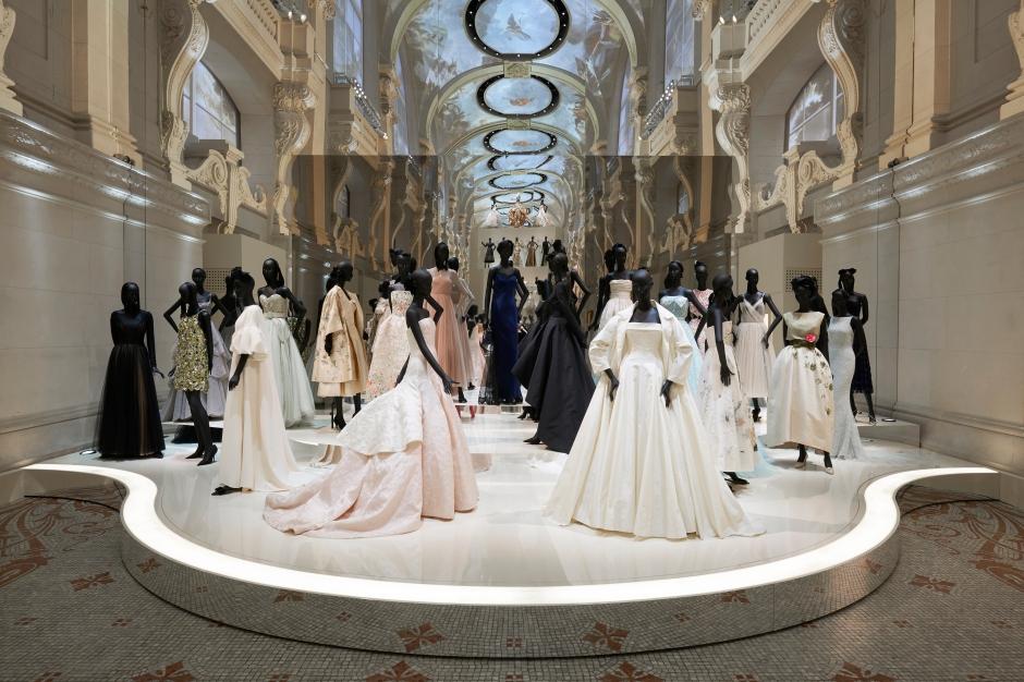 Dior_La_Maison_Dior_Christian_Dior_Couturier_du_Reve_Exhibition_13