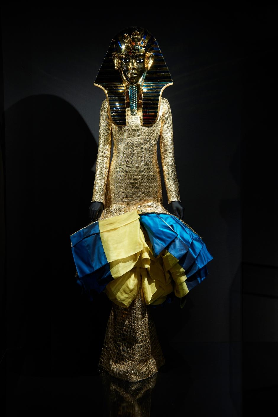 Dior_La_Maison_Dior_Christian_Dior_Couturier_du_Reve_Exhibition_16