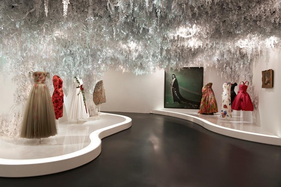 Dior_La_Maison_Dior_Christian_Dior_Couturier_du_Reve_Exhibition_21