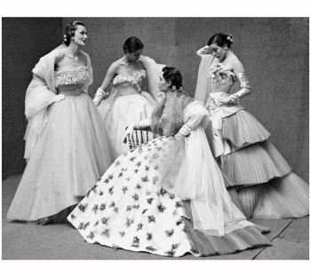 jacques-fath-show-stoppers-paris-france-1951-photo-gordon-parks
