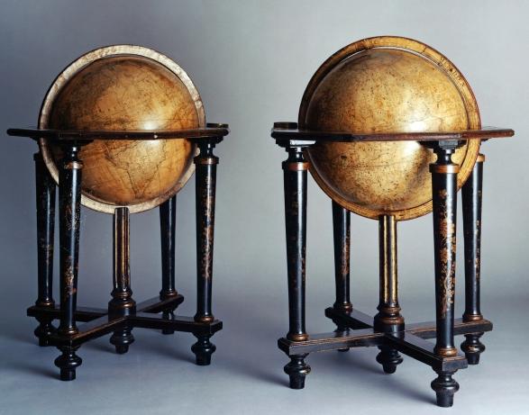 1993-25-1-2_Globes_© Musée Stewart HR
