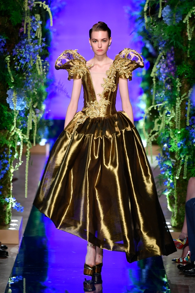 Guo Pei FW17-18 Couture- Look 33