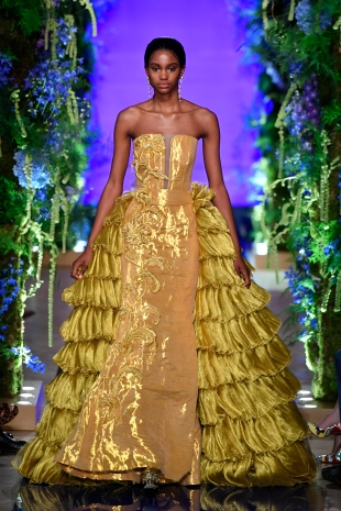 Guo Pei FW17-18 Couture- Look 41