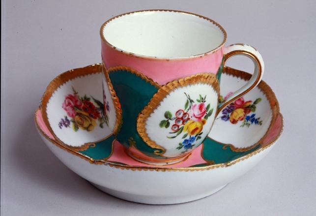 Tasse et soucoupe © Musée Stewart BR