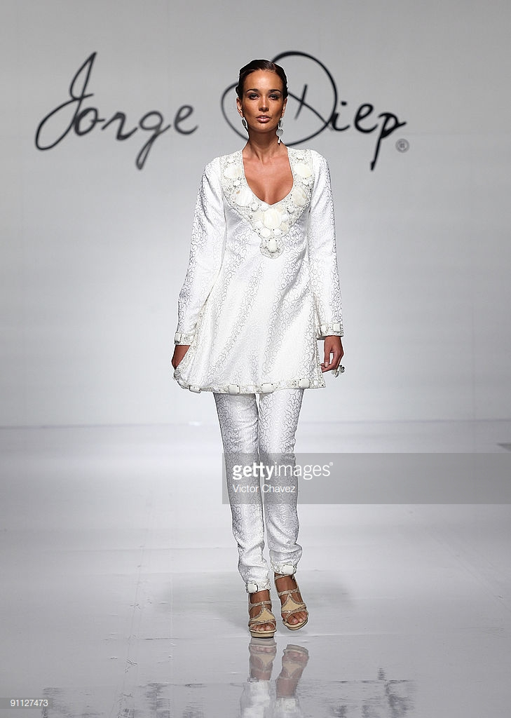 model-walks-the-runway-wearing-jorge-diep-during-the-idm-designers-picture-id91127473.jpg