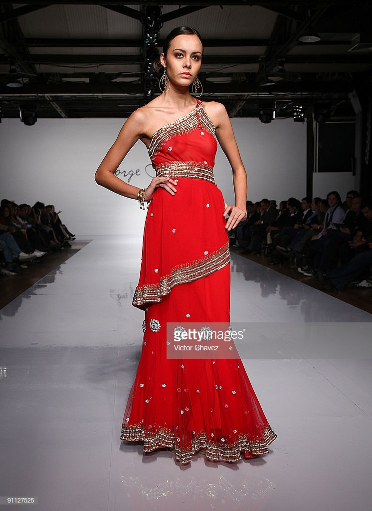 model-walks-the-runway-wearing-jorge-diep-during-the-idm-designers-picture-id91127525