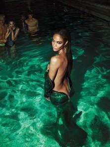 Back-In-the-Lime-Light-by-Mert-Marcus-for-W-September-2015-24-770x1028