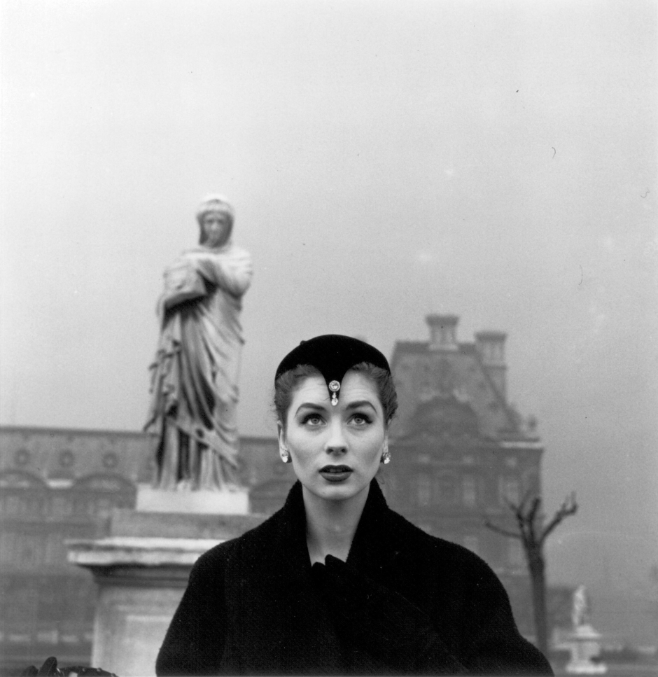Suzy Parker in Dior Hat, Tuileries, Paris, 1950. Photograph by Louise Dahl-Wolfe. Collection Staley Wise Gallery.