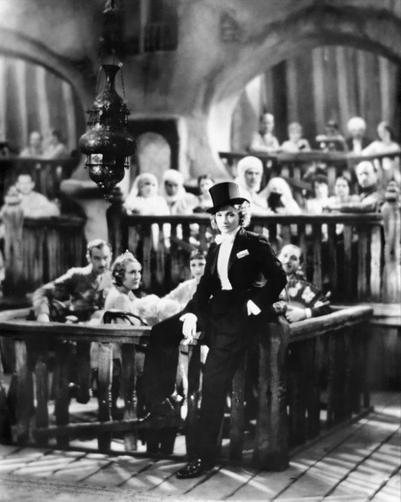 Marlene-Dietrich-in-Morocco-1930