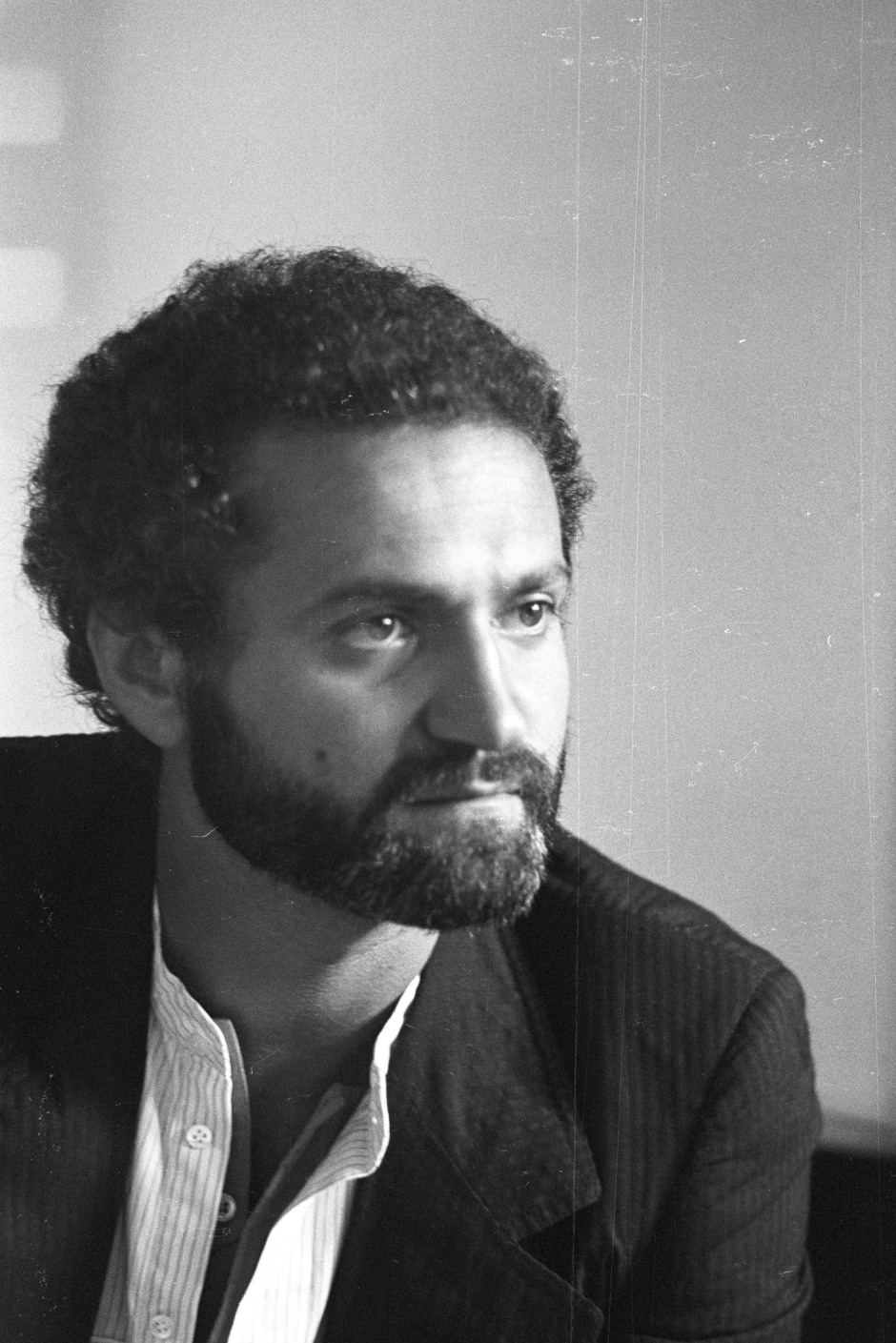 Portrait of fashion designer Gianni Versace circa 1977.