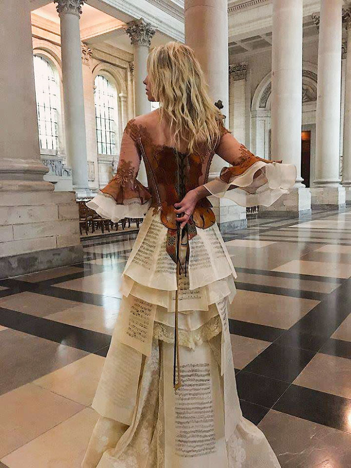incredibly-amazing-dresses-by-sylvie-facon-17-5a951ac522306__700