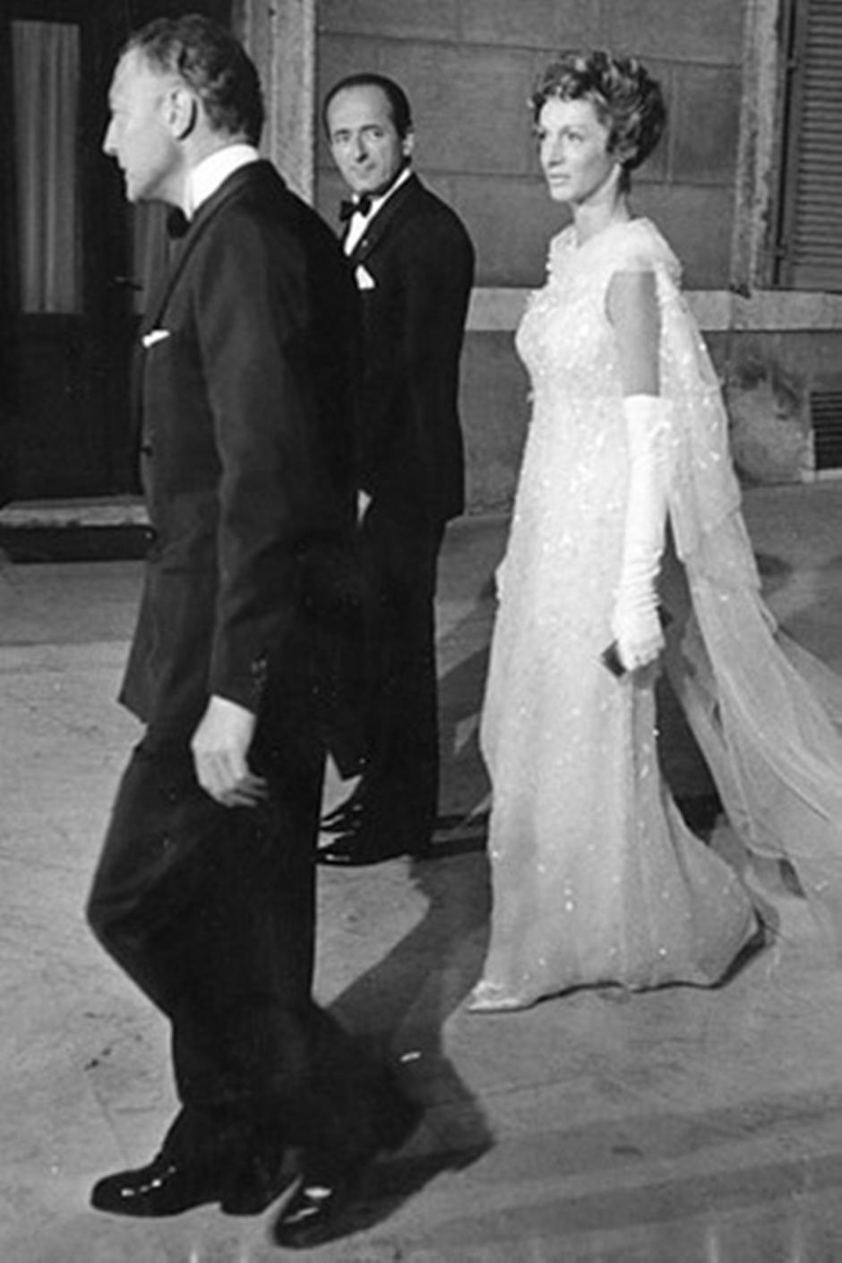Marella-Agnelli-in-Balenciaga-1953