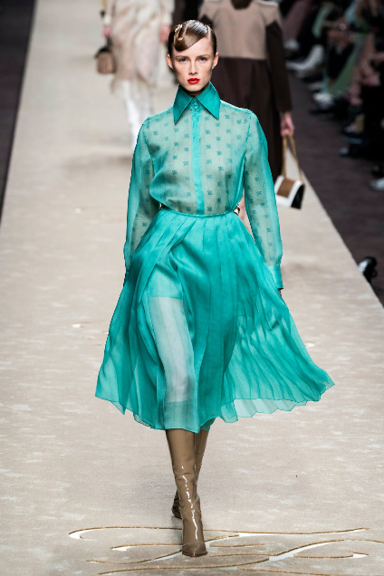 Screenshot_2019-03-27 7 Top Trends From the Milan Fall 2019 Runways7.png