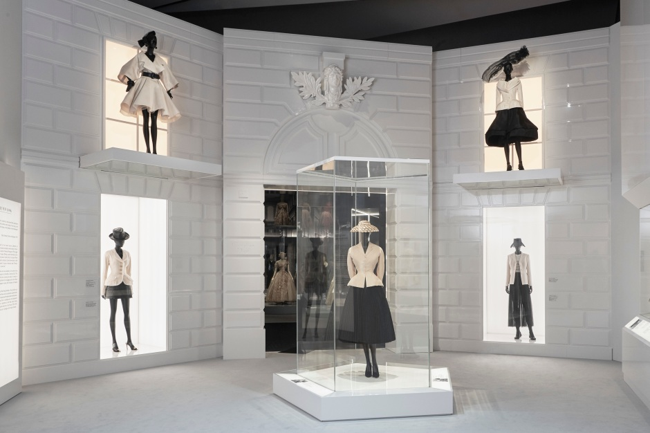 DIOR_V&A_EXHIBITION_SCENOGRAPHY_09