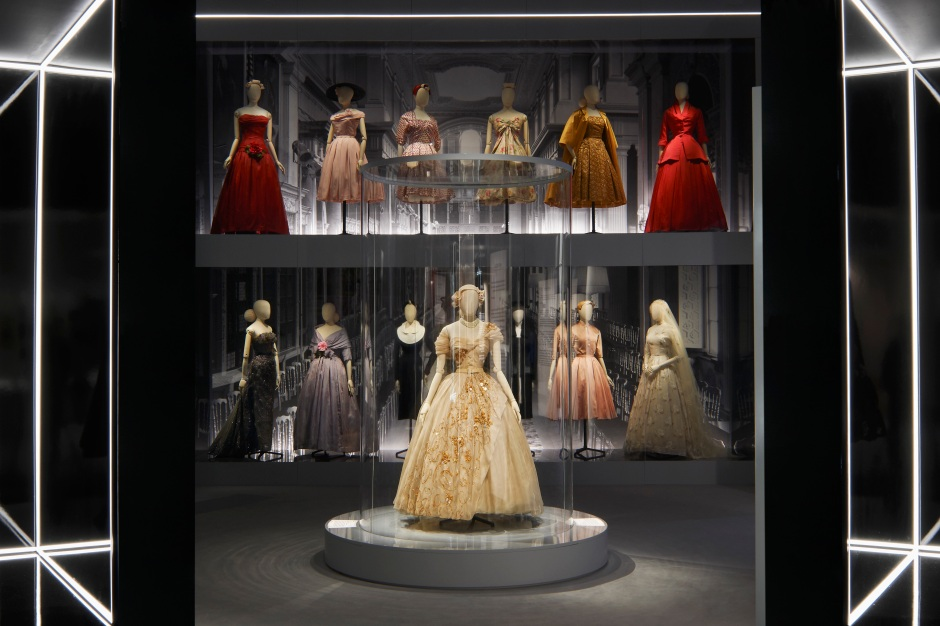 DIOR_V&A_EXHIBITION_SCENOGRAPHY_11
