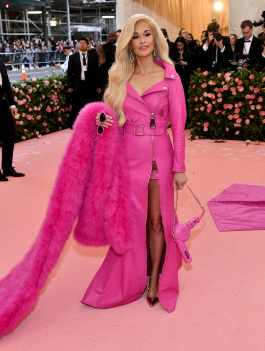 Kacey Musgraves came dressed as the Moschino Barbie, which is so on-theme is hurts.