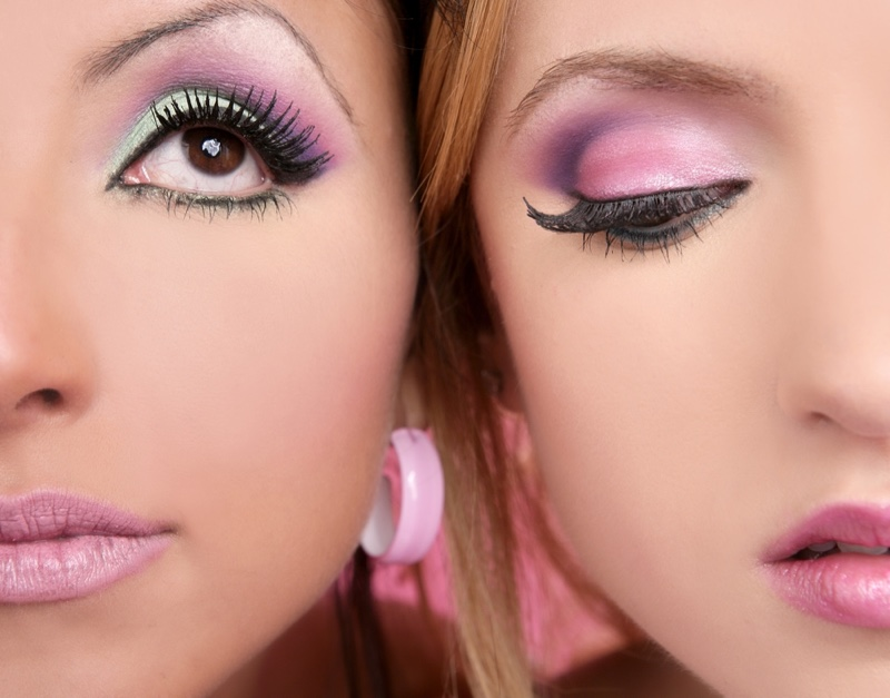 Colorful-Eyeshadow-Pink-Lips-Closeup