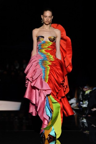 Schiaparelli+Runway+Paris+Fashion+Week+Haute+Y7CSs5e0Lh8l