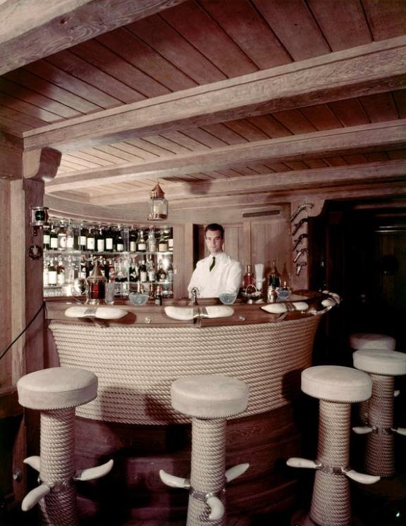 Screenshot_2019-07-05 À louer Christina O , le mythique yacht de luxe d'Aristote Onassis et Jackie Kennedyrr.png