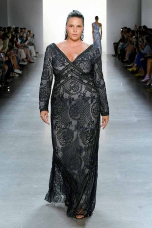 NEW YORK, NEW YORK - SEPTEMBER 05: Look 6 as a model walks the runway for Tadashi Shoji Spring/Summer 2020 during New York Fashion Week: The Shows at Gallery I at Spring Studios on September 05, 2019 in New York City. (Photo by Mike Coppola/Getty Images for Tadashi Shoji)