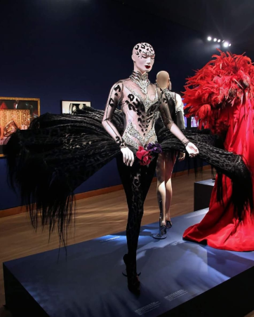 Screenshot_2019-10-13 'Thierry Mugler Couturissime' Sunday 13 October at Kunsthal Rotterdam - Google Search