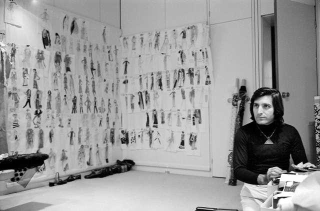 Emanuel Ungaro, couturier français, 1970.     LIP-31732B-08