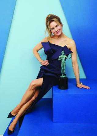 LOS ANGELES, CALIFORNIA - JANUARY 19: Renée Zellweger, winner of Outstanding Performance by a Female Actor in a Leading Role in a Motion Picture award for 'Judy,' poses in the Winner's Gallery during the 26th Annual Screen Actors Guild Awards at The Shrine Auditorium on January 19, 2020 in Los Angeles, California. (Photo by Terence Patrick/Getty Images for Turner)