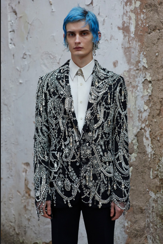 Screenshot_2020-01-14 LOOKBOOK Alexander McQueen Fall Winter 2019 Menswear Collection1