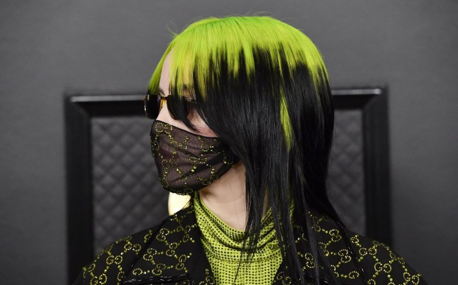 billie-eilish-gucci-mask-surgical-nss-magazine-1