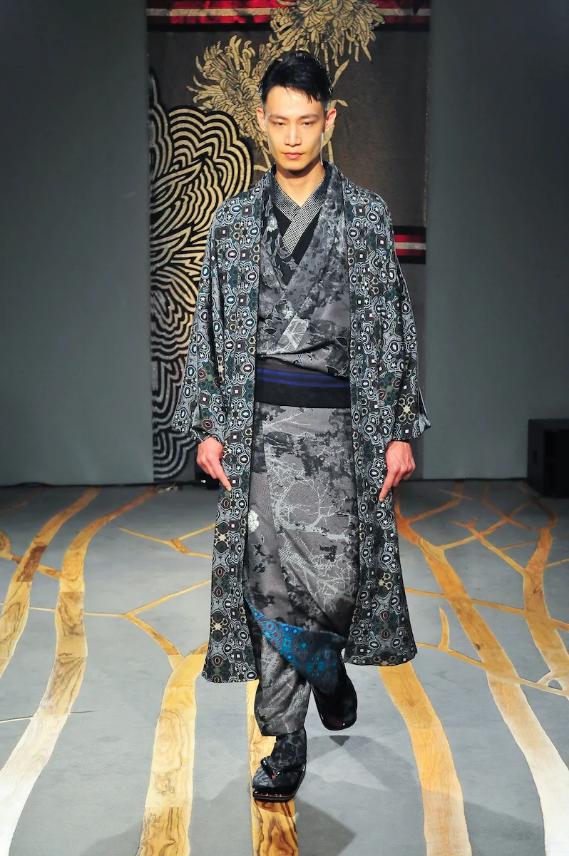 Screenshot_2020-03-24 【ルック】「ジョウタロウ サイトウ」2020-21年秋冬東京コレクション WWD JAPAN com(4)