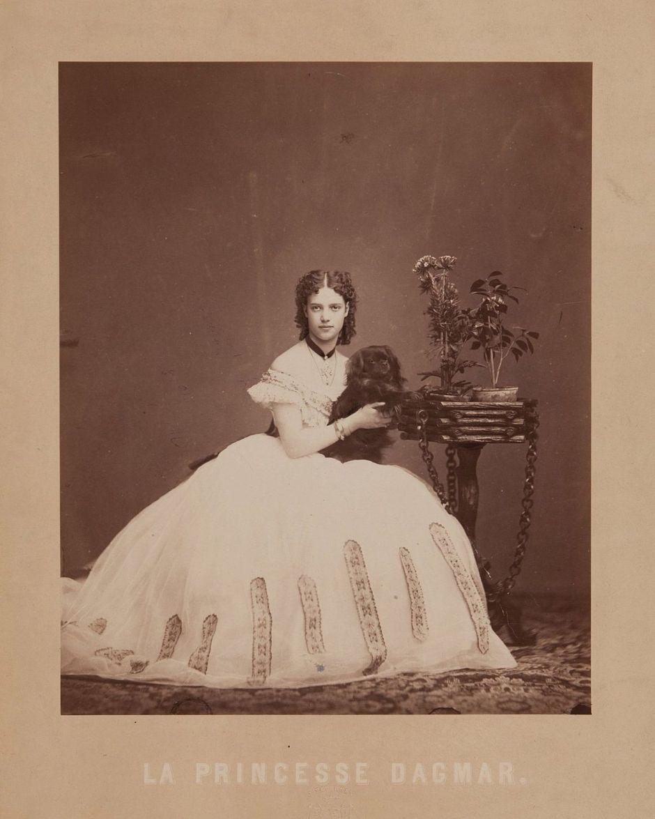 1200px-Dagmar_of_Denmark_by_Jens_Petersen_(1864)
