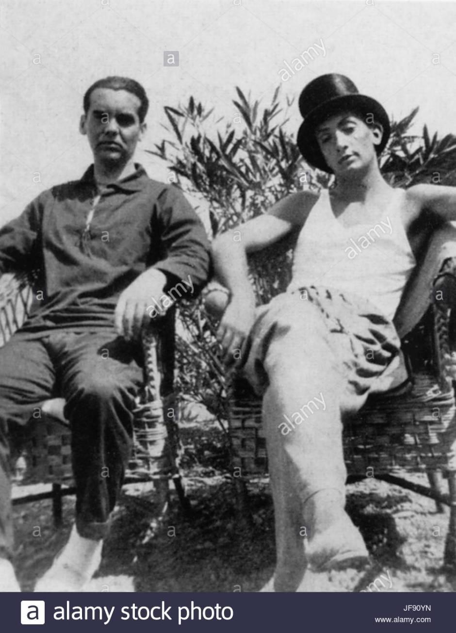 federico-garcia-lorca-left-spanish-poet-and-dramatist-1898-1936-a-JF90YN