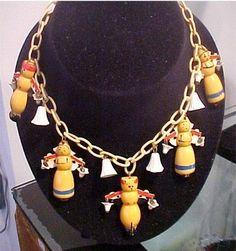 81546895f7bd5aaedb24e1141b4fa9f9--plastic-jewelry-costume-jewelry