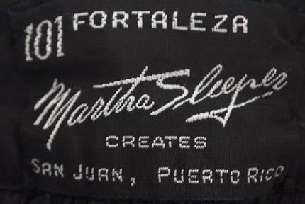 Label de un vestido creado por Martha Sleeper en PR